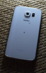 Galaxy S6 に光を当てる (1)