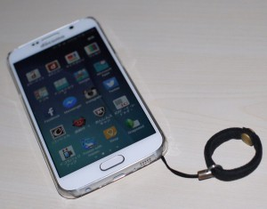 Galaxy S6にケース装着 (1)